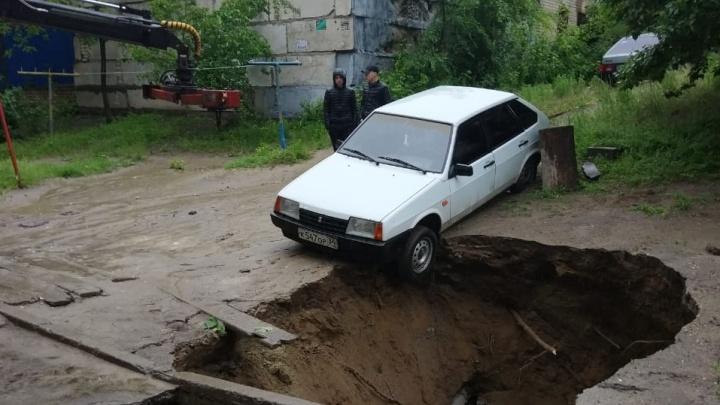 Уже закапываем: у провала грунта в Советском районе оперативно нашелся хозяин