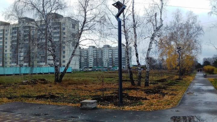 Из парка на Московке-2 украли 11 фонарей с солнечными батареями за 800 тысяч