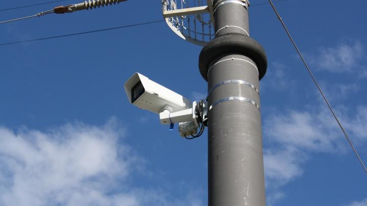 Оживленный перекресток возле ТЮЗа завесили дорожными камерами, штрафующими за все подряд
