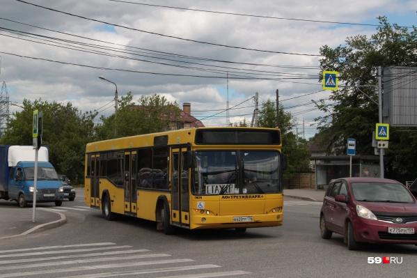 Один из арендованных автобусов МАЗ-103