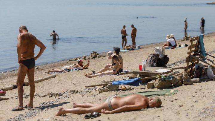 Пляж, фонтаны и тень: как волгоградцы спасаются от изнуряющей жары