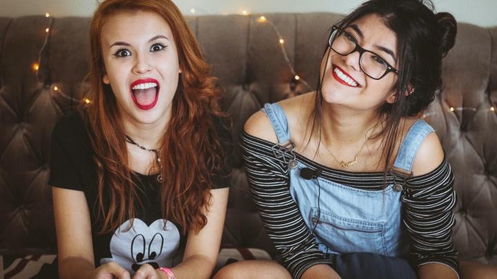Безответная любовь и поиск себя: с какими вопросами обращались россияне по подростковым проблемам