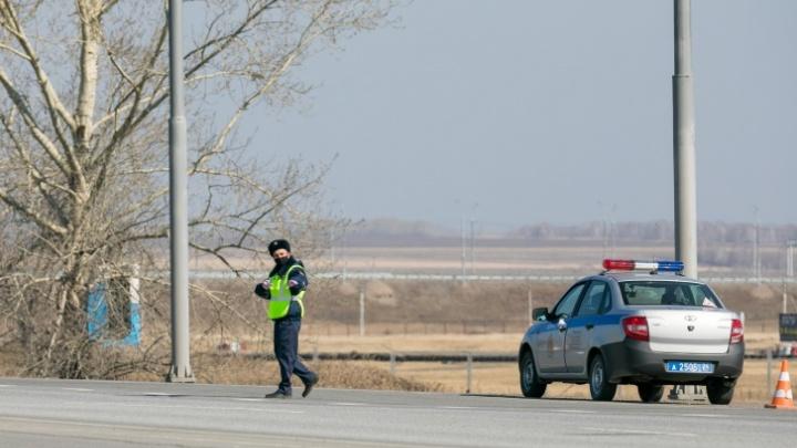 На въезде в Минусинск заработал КПП с медиками и полицией