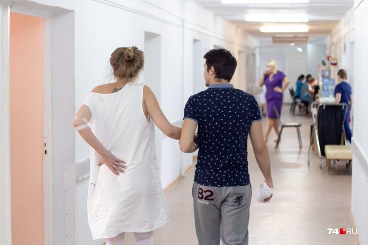 Беременная с подтвержденным коронавирусом несколько дней ждала врача в Челябинске