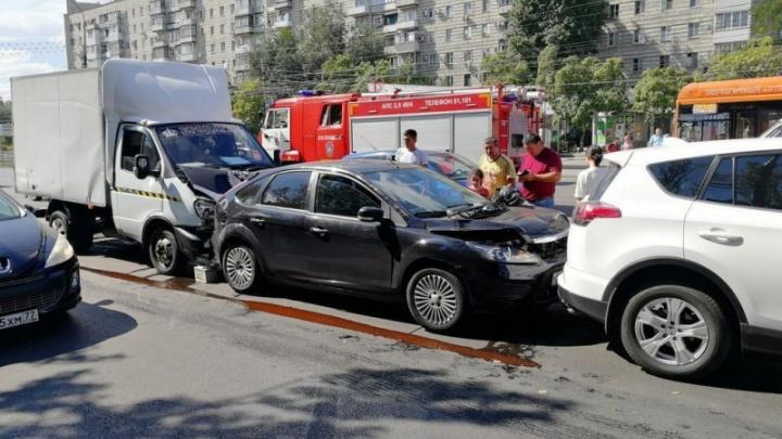 Астраханец на «Газели» отправил в волгоградскую больницу девочку из Санкт-Петербурга