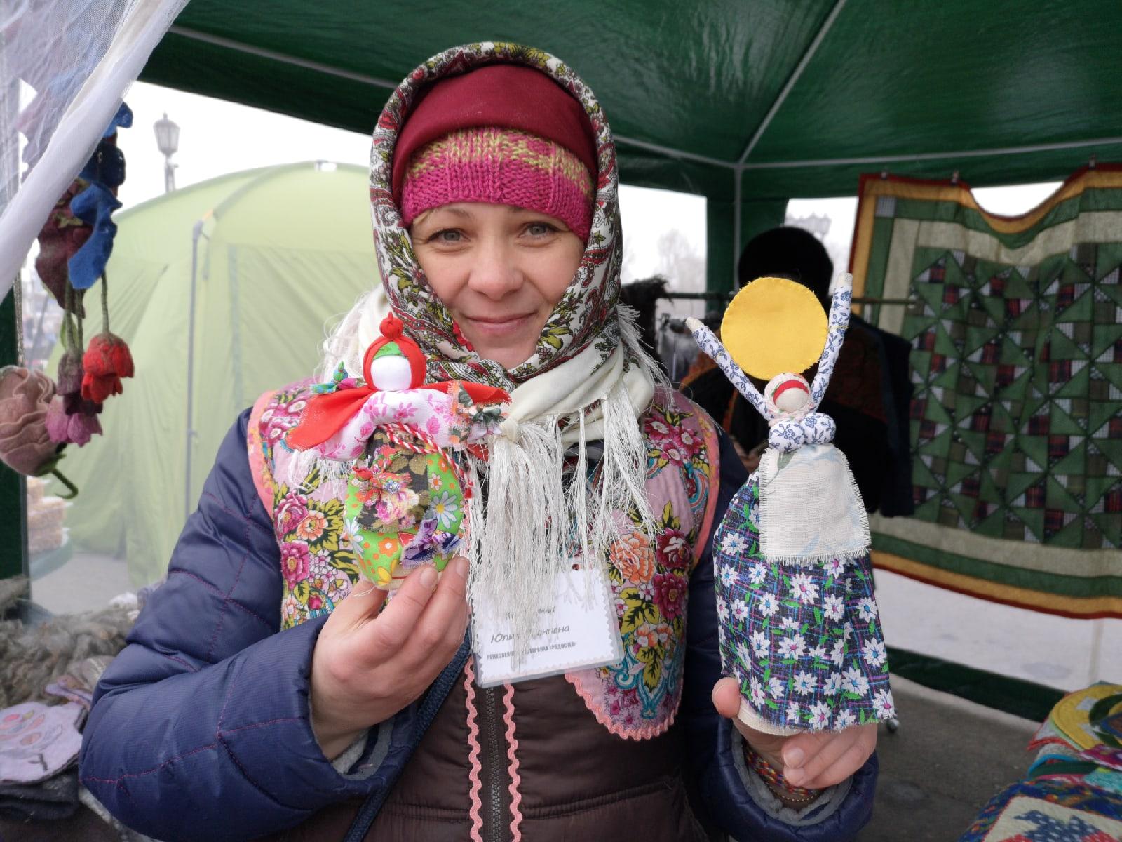Хозяйку кукольной мастерской зовут Юлия Карандина