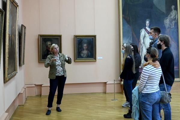 Экскурсоводы музея проводят регулярные экскурсии