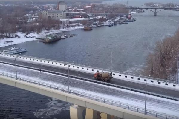 Первая очередь моста включает переход через реку Самару