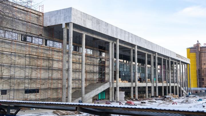 Тротуары, ворота и двери: на строительство дворца спорта в Самаре потратят еще 2 миллиарда рублей