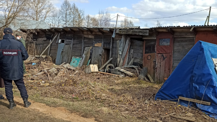 «Остались только золотые коронки»: в Данилове в сарае нашли тело