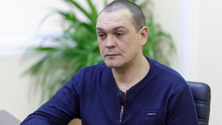 «Мне грозились разбить голову молотком»: в Волгограде бывшего милиционера отправили в колонию к обычным заключенным