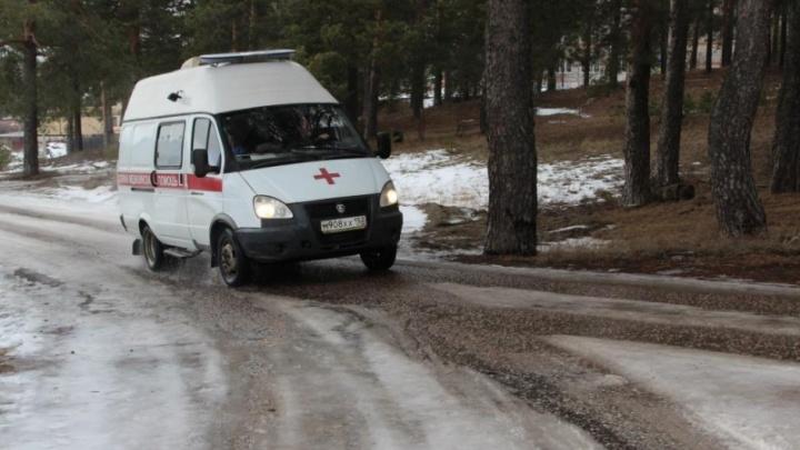 Полицейский отремонтировал скорую, сломавшуюся во время перевозки пациентки, в Борском районе
