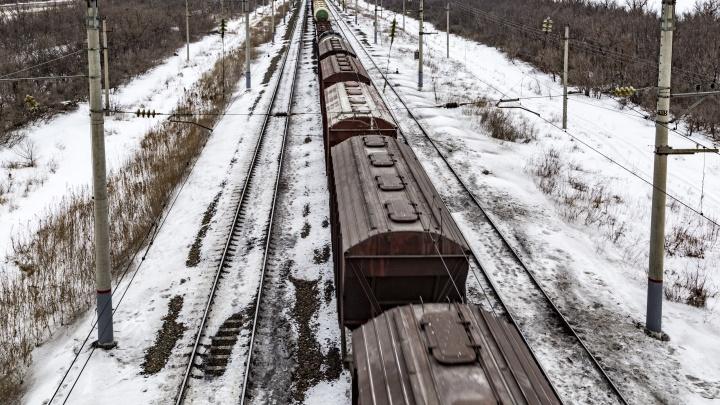 Под Волгоградом сошёл с рельсов грузовой состав