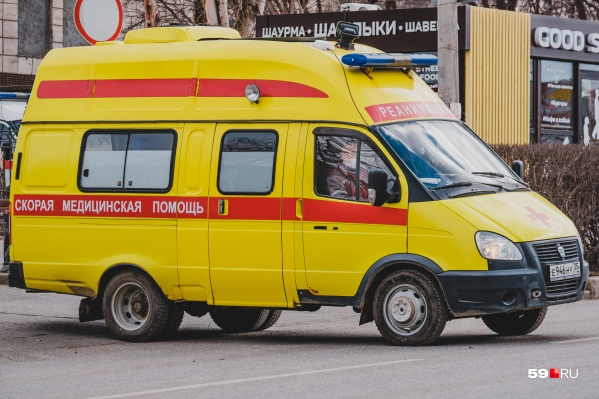 Новосибирца передали бригаде врачей скорой помощи