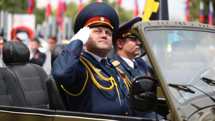 В Кемерово прошёл парад Победы: большой фоторепортаж с шествия