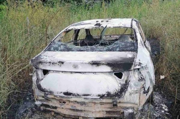 Машину убитого таксиста сожгли