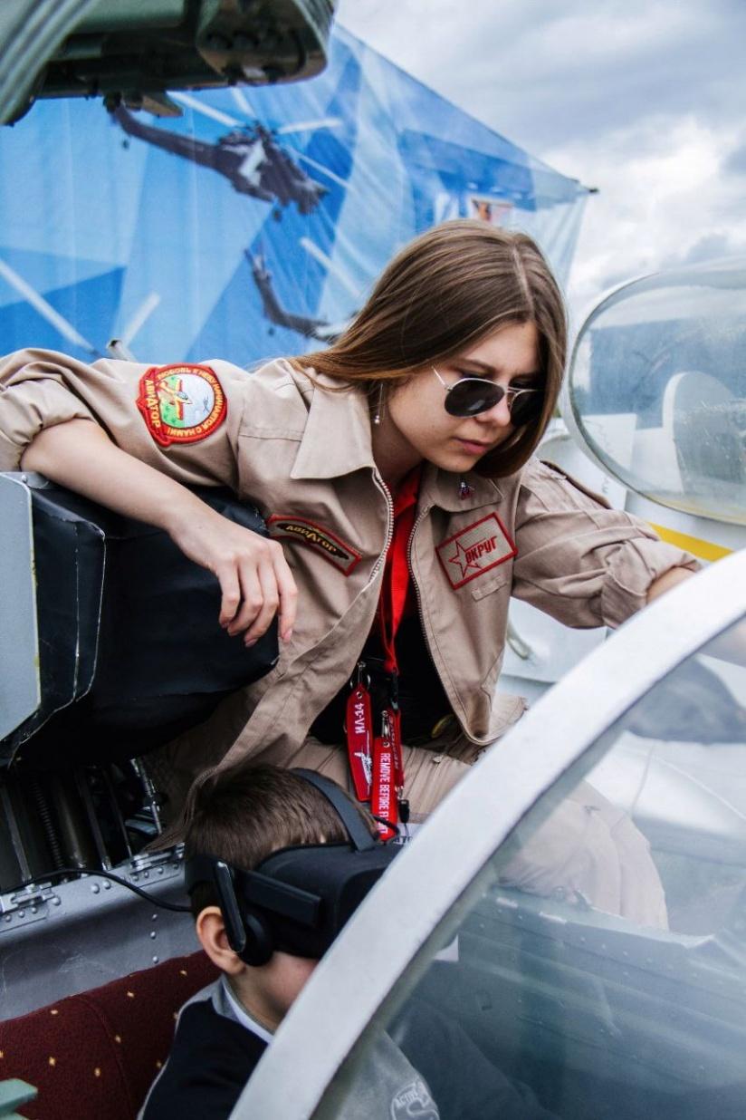 Работа девушек в авиации степан мисюрка