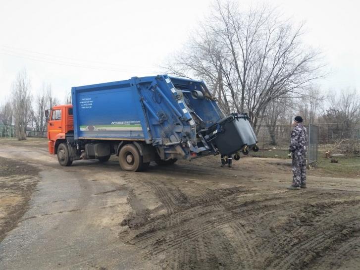 В куче навоза регоператору трудно найти то, что можно сдать на переработку
