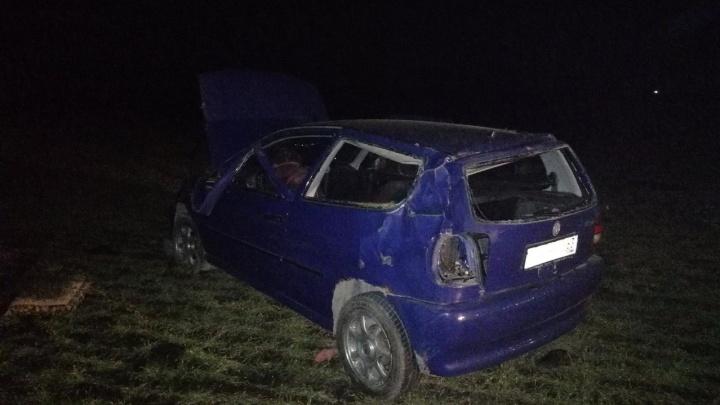 В Самарской области водитель Volkswagen погиб в ДТП после вылета с трассы