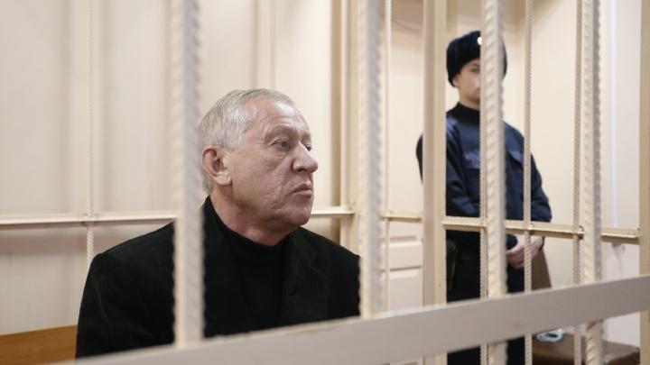 Бывшему мэру Челябинска Евгению Тефтелеву продлили домашний арест по делу о взятках