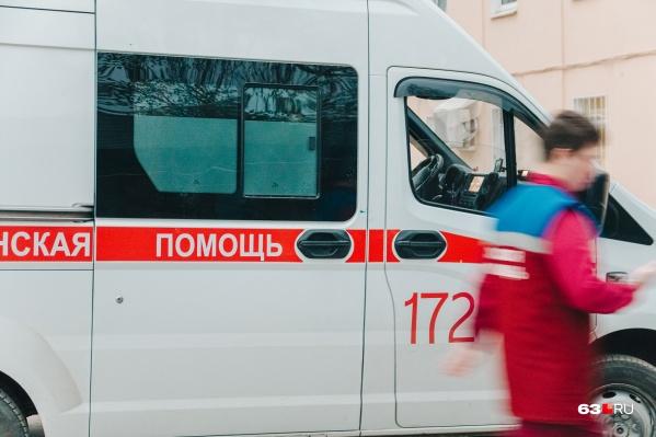 Врачи привезли ребенка на скорой в больницу, но спасти его не удалось