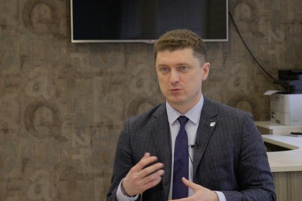 В прямом эфире представитель компании Павел Юрочкин объяснил, как проходят сделки и поднимутся ли цены на квартиры