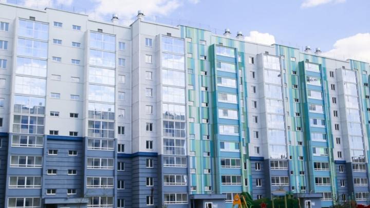 На крыше десятиэтажки в Челябинске собрались ставить вышку сотовой связи, жители против