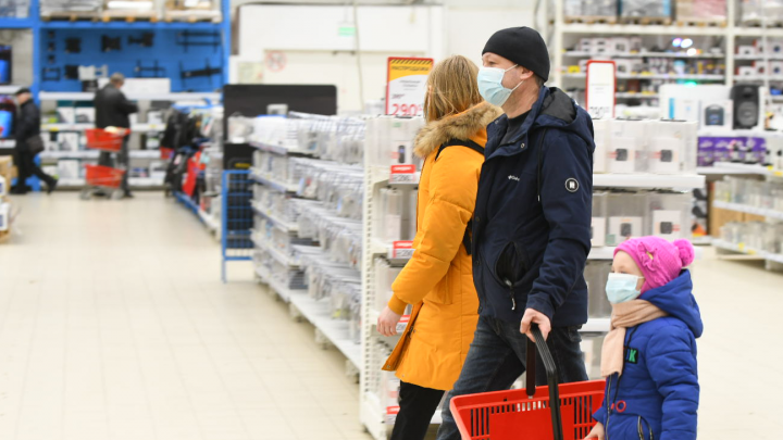 Почти 700 омичей отпустили с домашнего карантина по коронавирусу