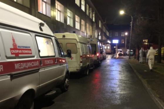 На Урале за неделю стало на треть больше тяжелых пациентов с COVID-19