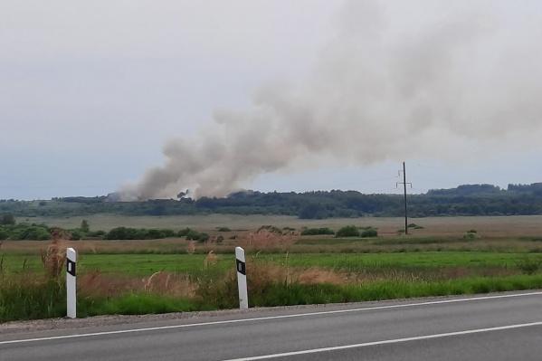 Загорелся мусорный полигон в Гаврилов-Ямском районе