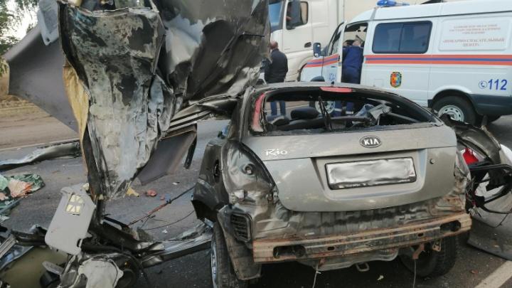 «Ехали к родственникам из Москвы»: в жуткой аварии под Тамбовом разбилась семья из Урюпинского района