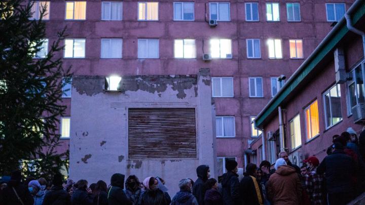 Все 16 заразившихся омских медиков оказались сотрудниками больницы имени Кабанова