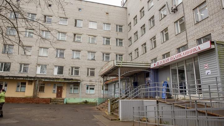 В тутаевский ковид-госпиталь завезли кулеры и бутыли с чистой водой
