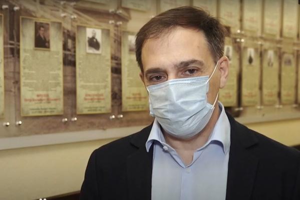 Алексей Цигельник отметил, что об улучшении ситуации свидетельствует и увеличение свободного коечного фонда