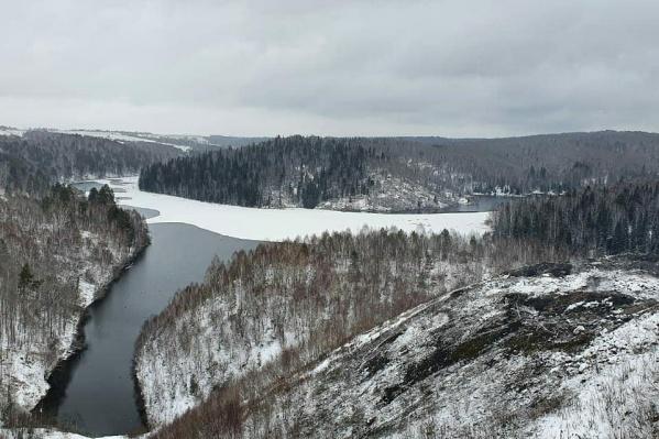 Угольный отвал недалеко от поселка Апанас Новокузнецкого района