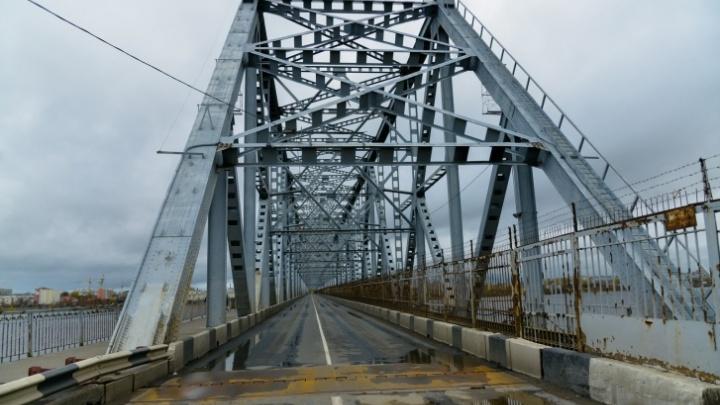 В воскресенье 18 октября в Архангельске снова закроют Северодвинский мост