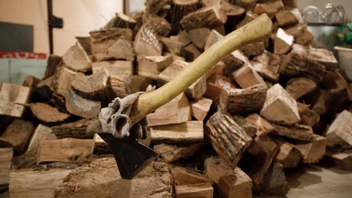 «Он приставал ко мне»: волгоградка зарубила топором и закопала на даче рабочего