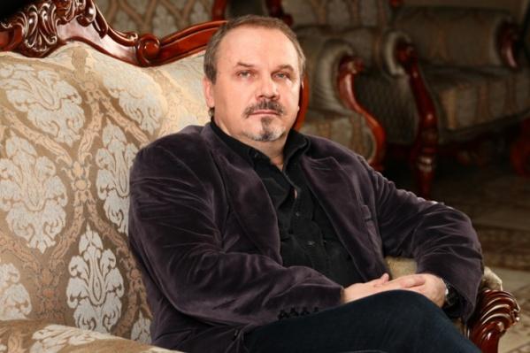 Сергей Федотов недавно вернулся с гастролей из Санкт-Петербурга и чувствует себя хорошо