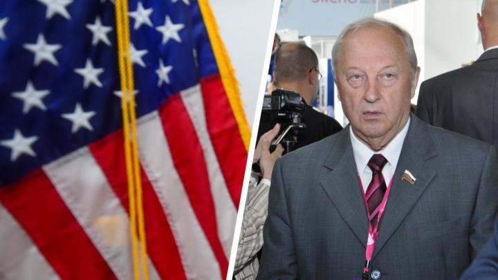 «Надеюсь, разум восторжествует»: Россель прокомментировал закрытие консульства США в Екатеринбурге
