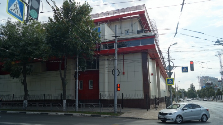 «Отделка из горючих материалов»: на театр «СамАрт» подали в суд