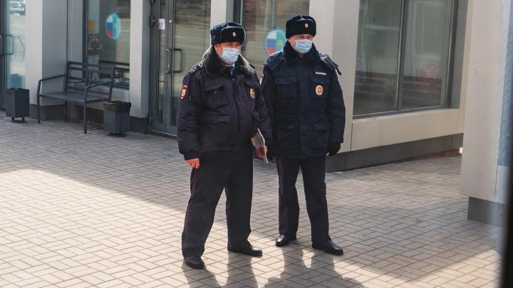 На работу — только в маске: хроника коронавируса за 12 апреля