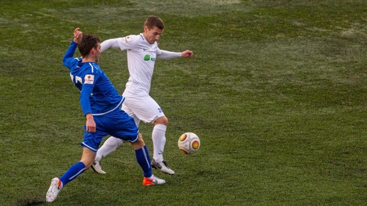 Игроки ФК «Новосибирск» получили положительные тесты на ковид после игры (анализ они сдали ещё до матча)