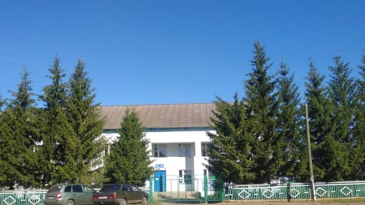 Жители села в Башкирии пожаловались властям, что у них отобрали единственную машину скорой помощи