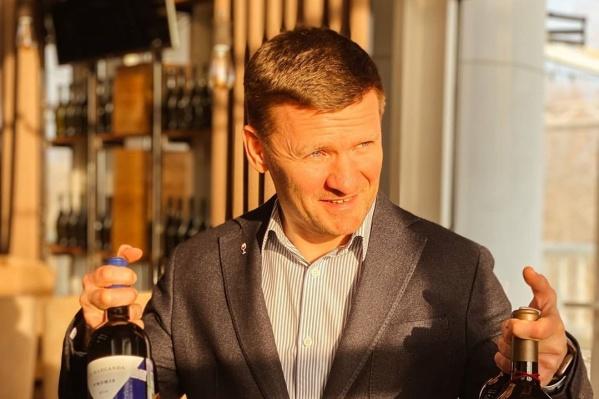 Евгений Бажутов считает, что после кризиса премиальный ресторан станет невостребованным, но сохранил проект в усеченном формате