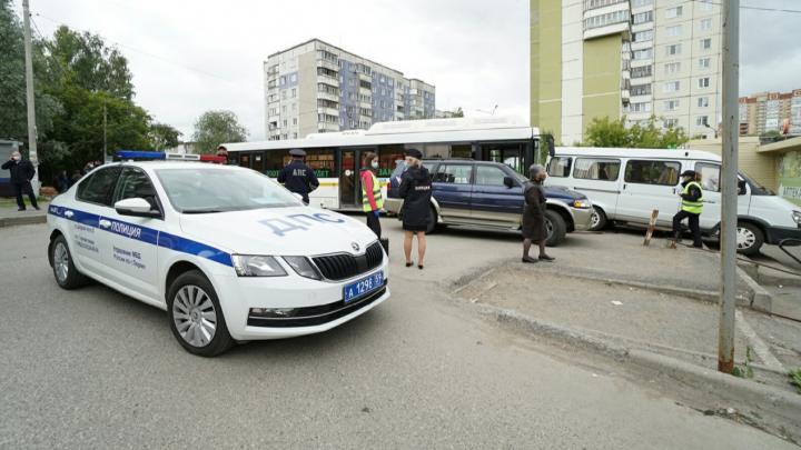 «Вышел из кабины, но на ручник не поставил»: перевозчик маршрута 77 объяснил причину ДТП, в котором погиб водитель ЛиАЗа