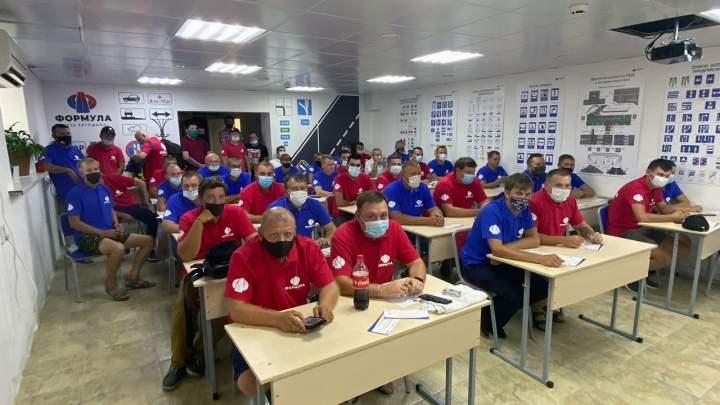 Как получить новую профессию за две недели: в Тюмени открылась «Школа инструкторов по вождению»