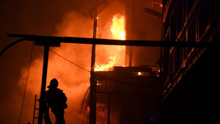 Пострадали 62 человека: на Урале поджигателя многоквартирного дома отправили в колонию