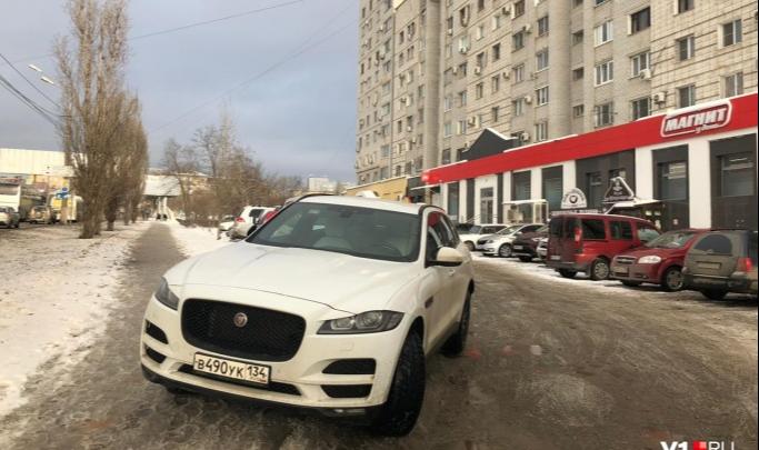 «Явитесь для дачи объяснений»: ГИБДД Волгограда выписала штрафы автохамам