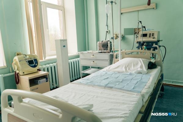 В Омске более полторы тысячи коек для пациентов с COVID-19