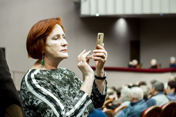 Депутат поделилась подробностями встречи с аферистами в соцсетях